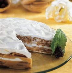 Semifrio de bolacha Top Recipes, Sweet Recipes, Dessert Recipes, Party Cakes, Food Inspiration, Camembert Cheese, Cheesecake, Deserts, Food And Drink