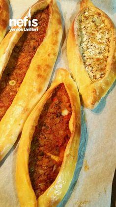 Kıymalı Peynirli Pide (Yumuş Yumuş) Tarifi nasıl yapılır? 1.101 kişinin defterindeki bu tarifin resimli anlatımı ve deneyenlerin fotoğrafları burada. Yazar: ♨Tariflerimiz♨ Hot Dog Buns, Zucchini, Food And Drink, Pizza, Mexican, Vegetarian, Bread, Vegetables, Cooking