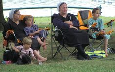 Amish mothers and children by mountaintrekker2001, via Flickr