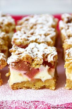 Shortcake with rhubarb pudding and light foam Polish Desserts, No Bake Desserts, Baking Recipes, Cake Recipes, Dessert Recipes, Cinnamon Roll Pancakes, Cheap Easy Meals, Rhubarb Recipes, Best Food Ever