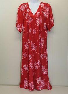 Hawaii Honolulu Group Muumuu Dress Red Floral V Neck Traditional Hawaiian Hawaii #HawaiiHonoluluGroup #MuumuuBeachDress #Casual