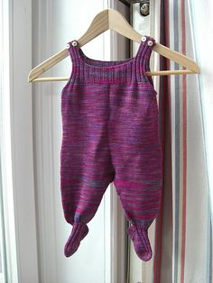 Pepita by Martina Behm - FREE pattern on Ravelry.com.  TOTALLY making this for E - in Merino for wearing over cloth diapers. ;)