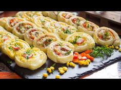 Savory Snacks, Yummy Snacks, Best Party Food, Puff Pastry Recipes, Queso, Finger Foods, Cake Recipes, Good Food, Brunch