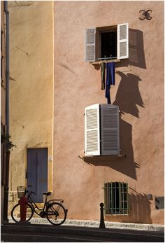 Images of Provence > Bicycle--St.Tropez