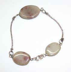Antikes Damenarmband mit braun-beige Achat 335 von Atelier Regina auf DaWanda.com