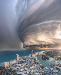 Amazing clouds over Miami ✨🌪 Florida, United States. Photos by The post Amazing clouds over Miami Florida, Unit appeared first on . Nature Pictures, Cool Pictures, Cool Photos, All Nature, Amazing Nature, Terre Nature, Wonderful Places, Beautiful Places, Beautiful Life