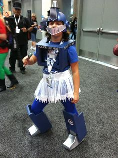 KIDS COSPLAY AT COMIC-CON 2013!  TARDIS Transformer From Fashionably Geek.