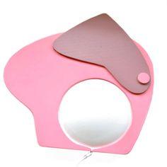 Růžový slon - nástěnná lampička Lampička je vyrobenaz bukové překližky o síle 5 mm.Design lampičky Růžový slonje zcela originální a je zpracován dle našeho grafického návrhu. Lampička je určená k zavěšení na zeď, opatřena poutkem. Součástí lampičky je světelný zdroj LED páska s vypínačem ...
