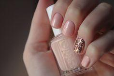 Uñas sencillas y elegantes. Easy and elegant nails #glitter -Nail design