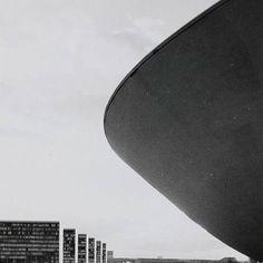 Via promenadearchitecture National Congress, Oscar Niemeyer, Brasília, Brazil