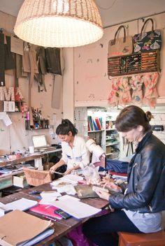 en el taller de Marta y Alberto...