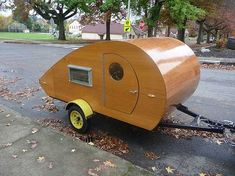 The Zyl Vardos Teardrop is 5 feet wide and 9 feet long. It has a queen-size sleeper, a 'rumble kitchen', some nice LED light bars, a marine-type epoxy-varnish wood finish, all stainless steel hardware… and it only weighs 625 lbs. Small Camping Trailer, Small Trailer, Rv Camping, Glamping, Teardrop Trailer Plans, Building A Teardrop Trailer, Teardrop Campers, Tiny Camper, Small Campers