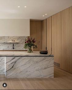 Modern Kitchen Interiors, Modern Kitchen Design, Home Room Design, House Design, Stained Kitchen Cabinets, Kitchen Dinning, Dining, Interiores Design, Home Kitchens