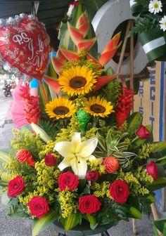 Hotel Flower Arrangements, Valentine Flower Arrangements, Tropical Floral Arrangements, Creative Flower Arrangements, Exotic Flowers, Pretty Flowers, Pink Flowers, Flower Box Gift, Flower Boxes