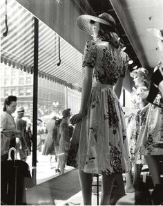 Store window display mannequins 1940s. Photo by Andreas Feininger