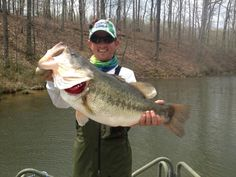 Chad Johnson catches a MONSTER hog at Dally's Ozark Fly Fisher; the Largie weighed in at a whopping Jealousy abounds! Fishing Basics, Bass Fishing Tips, Trout Fishing, Fishing Lures, Fly Fishing, Fishing Stuff, Fishing Outfits, Fishing Shirts, Fishing Apparel