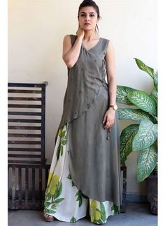 Beautiful overlap Crepe-Satin kurti with printed plazo. Salwar Designs, Kurti Neck Designs, Kurta Designs Women, Blouse Designs, Printed Kurti Designs, Pakistani Dresses, Indian Dresses, Indian Outfits, Stylish Dresses