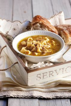 My mother believed that a nice big bowl of chicken soup could sort out any illness. Wine Recipes, Food Network Recipes, Soup Recipes, Cooking Recipes, Pasta Recipes, Recipies, Kos, Pasta Party, Pasta Soup