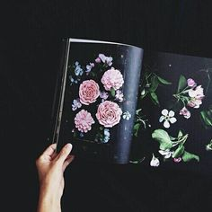Imagem de flowers, book, and black