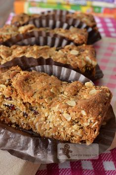 Cookie-like Muesli Bars / Slices - Highly Recommended by Kids! Muesli Slice, Muesli Bars, Granola, Muesli Bread, Baking Recipes, Cookie Recipes, Snack Recipes, Dessert Recipes, Lunch Box Recipes
