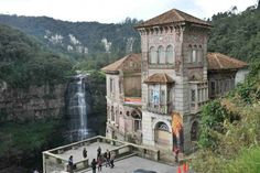 Hotel del Salto in Columbia (The Haunted Hotel at Tequendama Falls) Places Around The World, Oh The Places You'll Go, Places To Travel, Travel Destinations, Places To Visit, Around The Worlds, Scary Places, Haunted Places, Abandoned Places