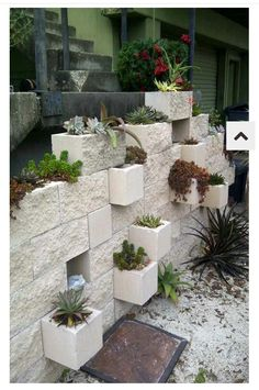 DIY Garden : Cinder Block Planter Idea That Would Be Absolutely The Coolest  Thing When We Re Build Ourselves A Cinder Block Garage.