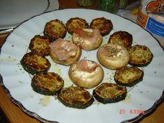 gefüllte Champingons---Zucchini gegrillt