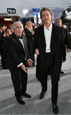 Catching up: Henry Winkler, chatted with Brad Pitt, on the red carpet; Brad is wearing a Brioni tuxedo Alex Borstein, Emily Watson, Billy Crudup, Catherine O'hara, Celebrity Photos, Celebrity Babies, Celebrity Style, Elisabeth Moss, Steve Carell