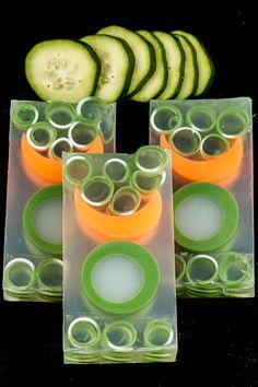 Cucumber-Melon_6X5A0359b.jpg 600×900 pixeles
