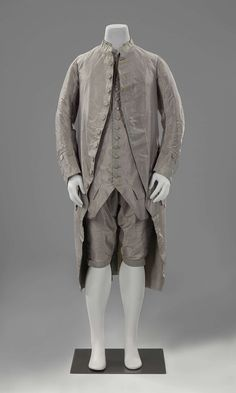3-piece suit, France or The Netherlands, c. 1760-1780s. Mauve-grey iridescent silk taffeta, fabric-covered buttons.