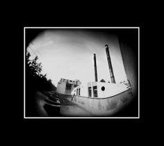 calderas del hospital central, fotografía estenopeica analógica de 15 cm x 21 cm montada sobre MDF negro de 24 cm x 28 cm - Valor:150=Click