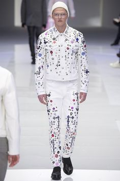 Milan fashion week  Versace winter- autumn collection  Men - menswear - fashion - trends - runway - Lfw - Nyfw - style - homme - couture - moda - masculina - men's - fashionista - trending - black - white - shoes - coat - pants - blue - red - suit - sketchers - galactic - Galaxy - circles - colors - colorful - pins - jacket