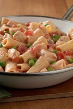 Creamy Chicken Pasta, Dinners, Meals, Mushroom Sauce, Italian Desserts, Rigatoni, Italian Pasta, Tossed, Skillet