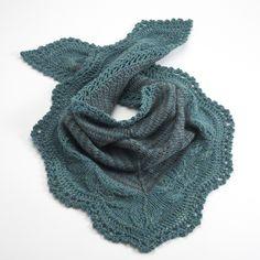 Andrea's shawl en Cascade 220 Sport… Cascade 220, Cascade Yarn, Knit Shawls, Cowl Scarf, Knitting Patterns, Knit Crochet, Gray, Sports, Inspiration