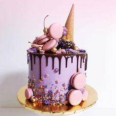 24 epic macaroon birthday cake ideas to inspire your next birthday celebrations - Süße Leckereien - Macaron Girly Birthday Cakes, Candy Birthday Cakes, Ice Cream Birthday Cake, Beautiful Birthday Cakes, Birthday Ideas, Happy Birthday, Girly Cakes, Birthday Drip Cake, Ice Cream Cone Cake