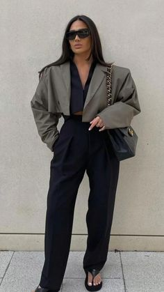 Simple Work Outfits, Fall Outfits For Work, Winter Outfits Women, Blazer Outfits, Casual Outfits, Fashion Outfits, 2000s Fashion, Paris Fashion, Sophisticated Outfits