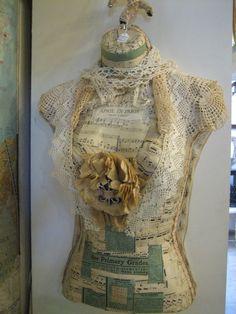 Dress form - Vignettes Antiques