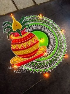 Below we've compiled a list of Rangoli designs and patterns that you can incorporate in any festival you like, be it Diwali, Pongal or Ganesh Chaturthi. Easy Rangoli Designs Diwali, Rangoli Simple, Indian Rangoli Designs, Rangoli Designs Latest, Rangoli Designs Flower, Free Hand Rangoli Design, Rangoli Border Designs, Rangoli Patterns, Colorful Rangoli Designs