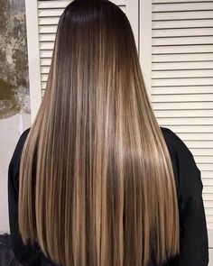 - nail and hand care in 2019 cabello, balayage cabello castañ Brown Hair With Blonde Highlights, Brown Hair Balayage, Hair Color Balayage, Balayage Hair Brunette Straight, Blonde Highlights On Dark Hair, Ombre Highlights, Gorgeous Hair Color, Beautiful Long Hair, Cabelo Ombre Hair