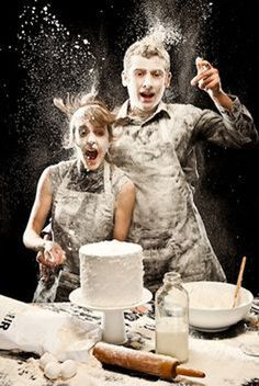 Awesome action picture while making a cake. Inspiration for Christmas cards