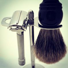 Can't really go too far wrong for €50! Butterfly Razor,Stand and Pure Badger. #wetshave #wetshaving #grooming #mensgrooming #dapper #bargain #dublin #ireland #beard #beardtrim