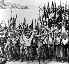 WW2 Japanese Soldier | Jubilant Japanese troops on the Singapore waterfront on 16 February ...