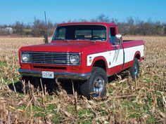 Wallpaper photos of random International Harvester trucks : theTHROTTLE