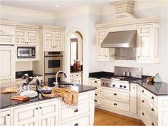 25 Windowless Kitchen Design Ideas