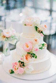 Hochzeitstorte Mit Echten Blumen Rosa Pfingstrosen Vierstoeckig Hochzeit Romantisch Garden Wedding Cakespretty Wedding