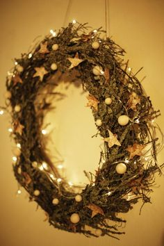 Kotivinkki Joulu / Photo: Kaisa Rautaheimo Christmas Wreaths, Christmas Decorations, Holiday Decor, Organizing, Diy, Food, Style, Swag, Bricolage