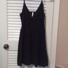 Black sun dress Black sun dress with adjustable straps really comfortable and easy to pair with cute sandals ! Xhilaration Dresses Midi
