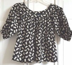 FRENCH CONNECTION Top Shirt Size 4 Butterfly Print Blouse Black White EUC #FrenchConnection #Blouse #Casual