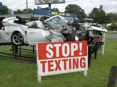Many people are dying and causing accidents by texting while driving. There's nothing that important that cannot wait until you are not driving. Texting While Driving, Distracted Driving, Driving Safety, Driving Tips, Driving School, Convertible, Dont Text And Drive, Dont Drink And Drive, It Can Wait