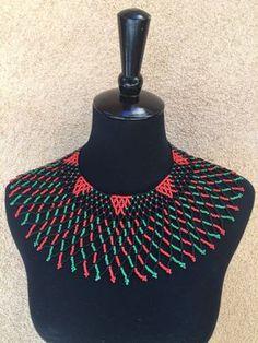 Collar de encaje Zulú